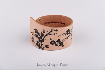 Жіночий шкіряний браслет LUY N9 FLORAL - чорний