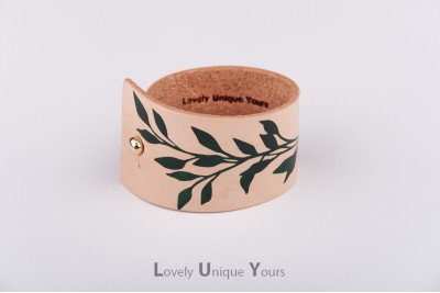 Жіночий шкіряний браслет LUY N9 LAUREL - зелений